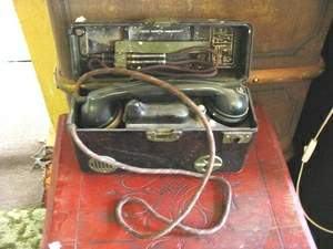 Vojenský telefón