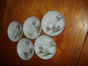 Porcelánové tanieriky,