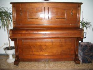 Pianino zn. Roesler