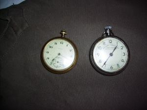 vreckove hodinky 2 kusy