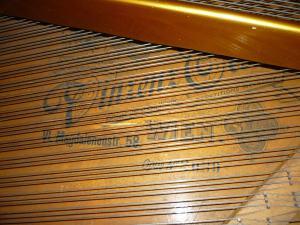 Klavír (krídlo) Vinc.Oeser Wien z roku 1892