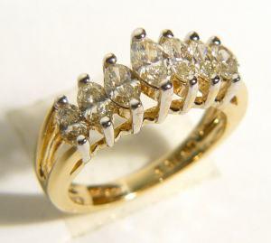 Dámský diamantový prsten
