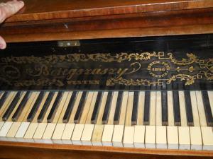 Kridlovy klavir Beregszászy
