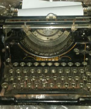 Starý písací stroj Underwood