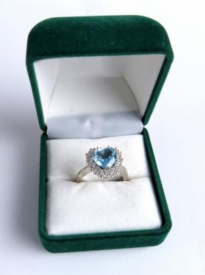 Briliantový prsteň s topasom