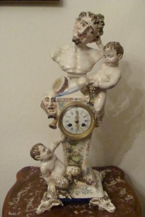 Komodové hodiny - Komédia -  Michel Claude Clodion (1738-1814)