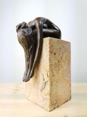Milo - bronzová socha sklonenej ženy