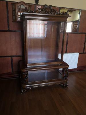Starožitná vitrína Baroko