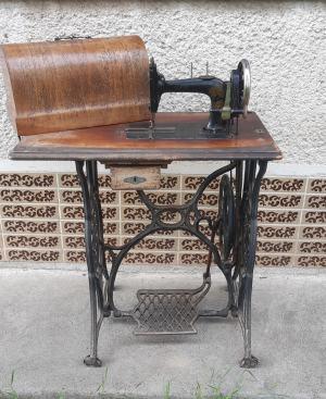šijací stroj ADRIA