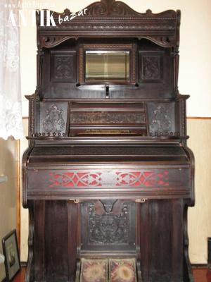 Crown Bent Organ r.1900